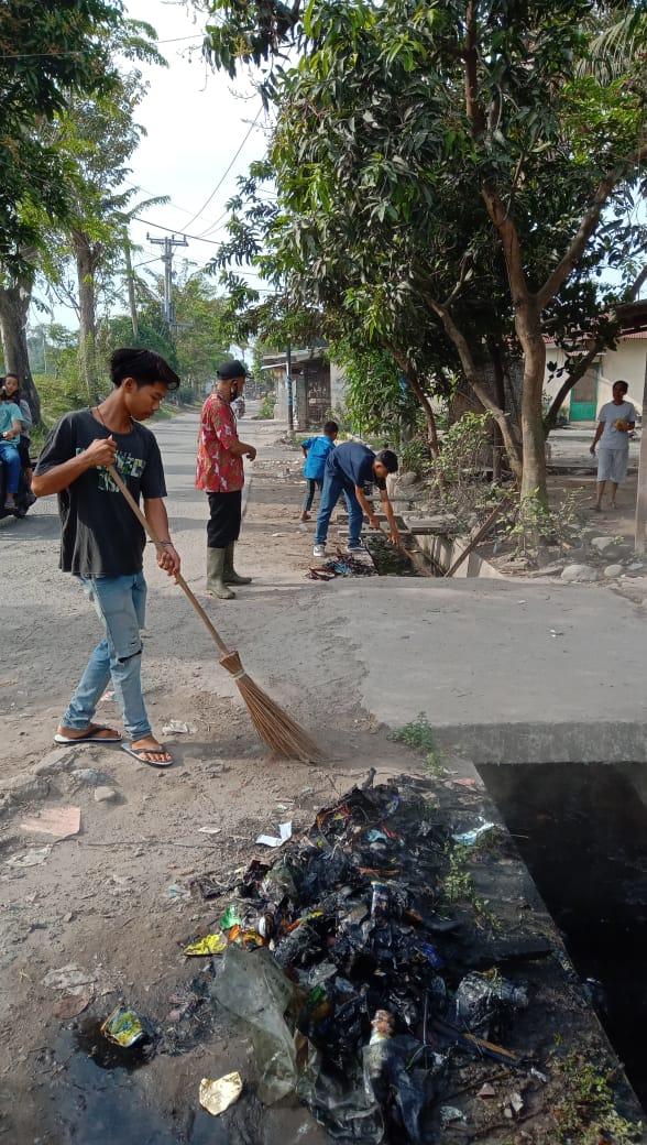 Gotong Royong Tingkat Lingkungan di Kecamatan Medan Marelan